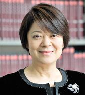 京都看護大学 学長 豊田 久美子